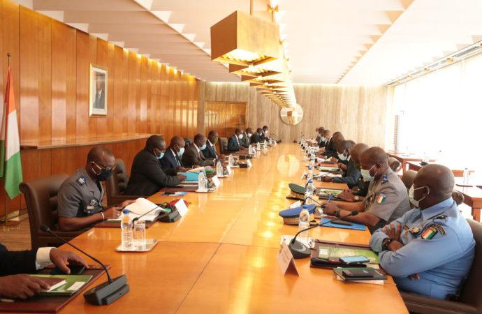 Covid-19 : le gouvernement ivoirien lève la mesure de limitation des rassemblements